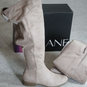 New with Tags Size 8W widecalf over the knee boot
